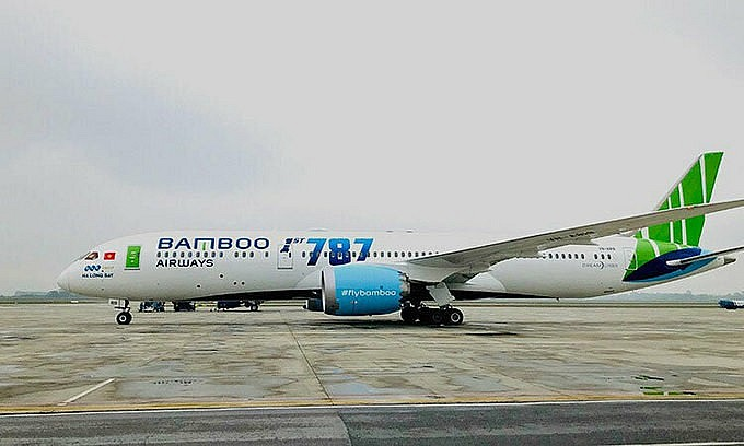 A 787-9 Dreamliner jet of Bamboo Airways taxis at Noi Bai International Airport in Hanoi. Photo: VnExpress