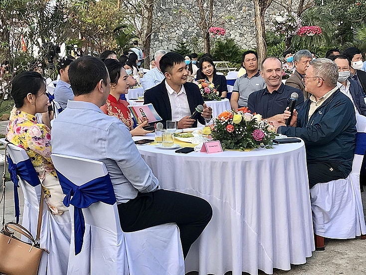 Foreigners in Quang Binh eagerly participate in Tet 2021 exchange program
