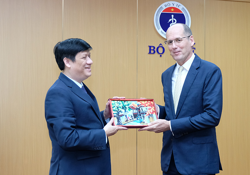 health minister vietnam to establish 2 central centers for disease control in the north and south