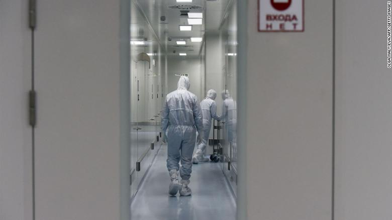 russia to give its covid 19 vaccine to volunteers this week
