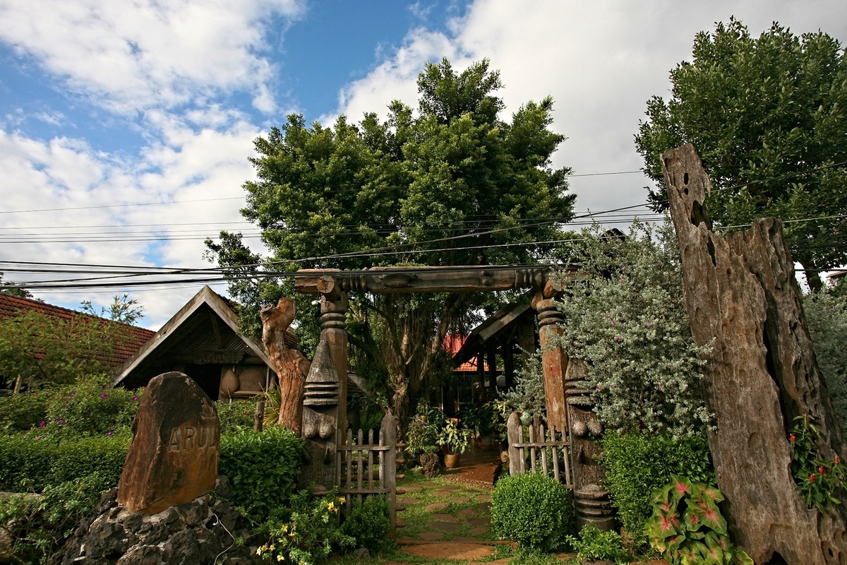 coffee shop in the central highlands traditional longhouses