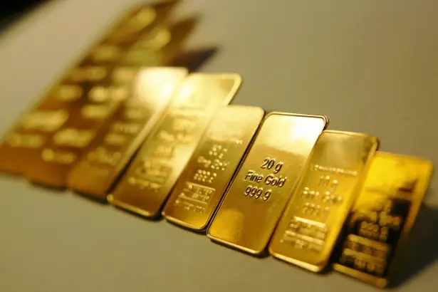 gold price today aug 18 rallies 2 and challenges 2000 per ounce once again