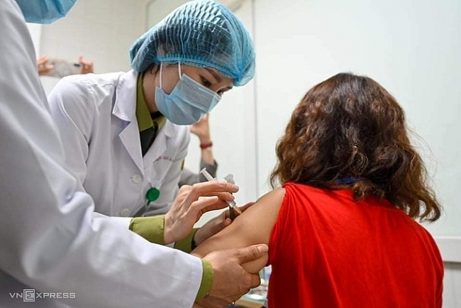 Vietnam to administer first doses of COVID-19 vaccine next Monday