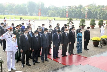 In Photos: Leaders Pay Tributes to President Ho Chi Minh on National Day