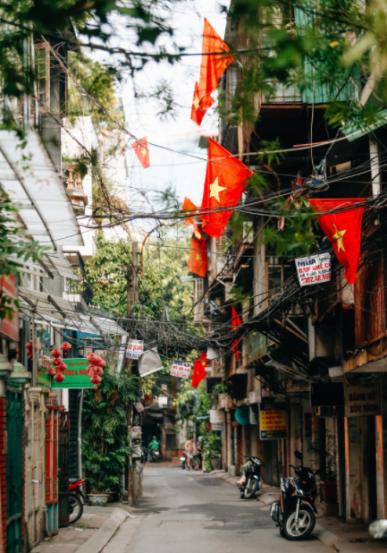 National Flags make spotlight all over Hanoi streets on the celebration of Independence Day