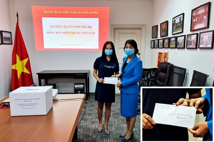 Vietnamese community in Singapore, Thailand, Czech supports citizens in Central Vietnam