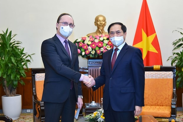 Russian Ambassador: Russia Ready To Transfer Vaccine Production Technology To Vietnam