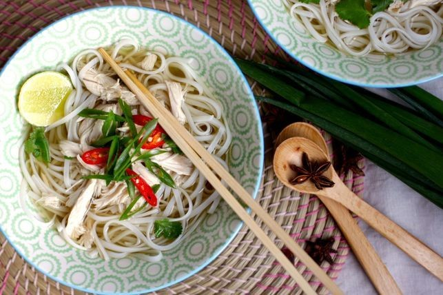 Tips to Cook Vietnamese Chicken Noodle Soup With Sweet Broth
