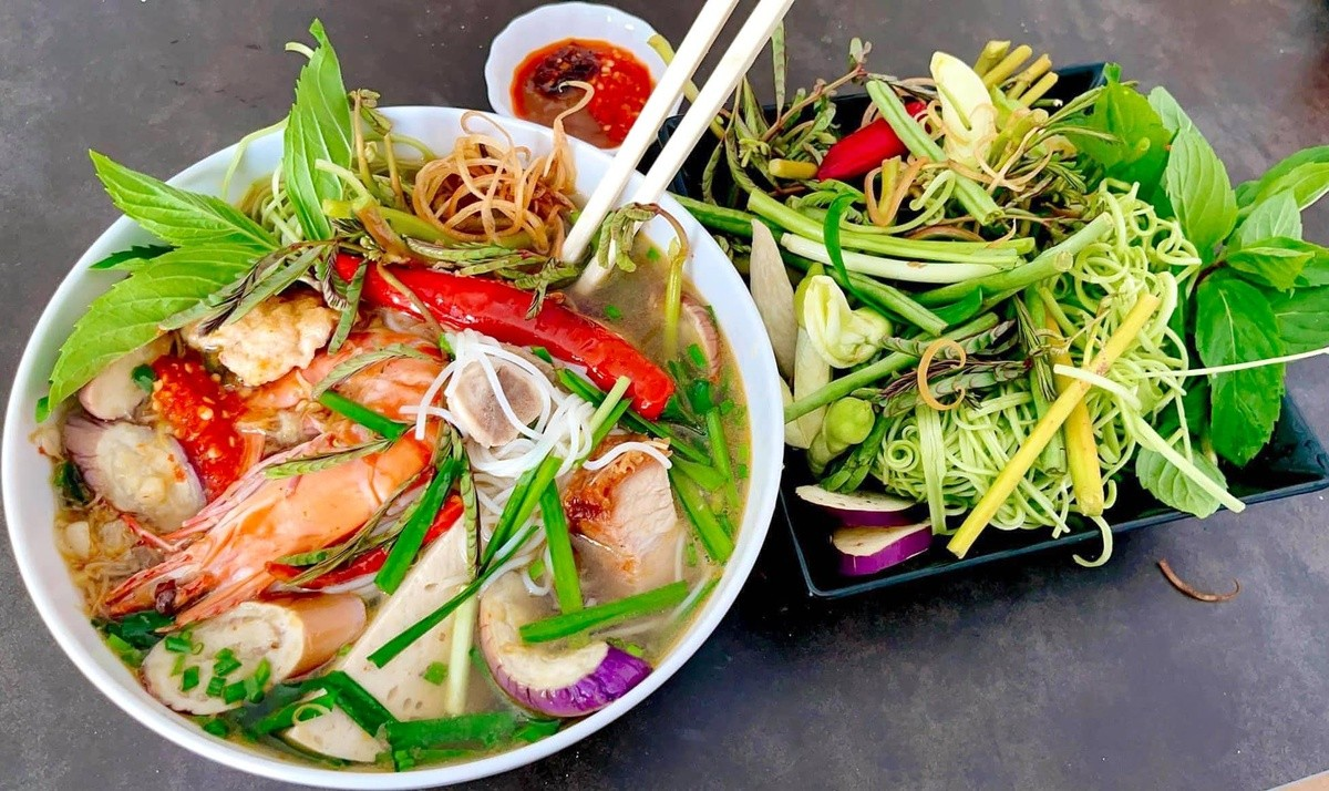 Noodles With Salt Fish Sauce Recipe Recommended By Overseas Vietnamese