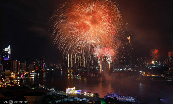 fireworks cancelled in hcmc amid the new outbreak of covid 19