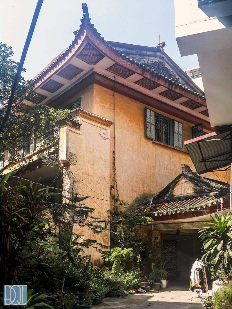the charming beauty of king bao dais hundred year old mansion in ha noi
