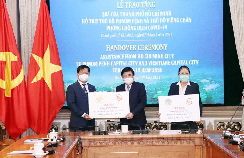 Ho Chi Minh city aids Vientiane and Phnom Penh USD 100,000 in Covid-19 fight