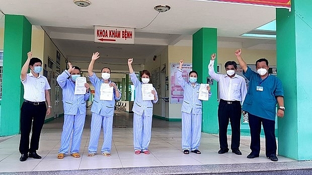 260 Vietnamese citizens stranded in UAE due to COVID-19; domestic cases reach almost 850