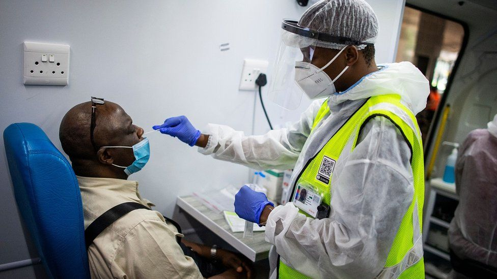 south africas vaccine shots delayed and growing concerns of vaccines effectiveness