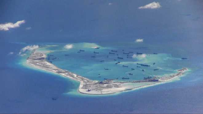 Philippines sends fighter aircraft over Chinese vessels in Bien Dong Sea (South China Sea)