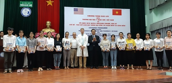 800 poor patients in Thua Thien Hue get free health checkup